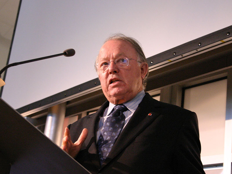 Bernard Landry lors d'une allocution.