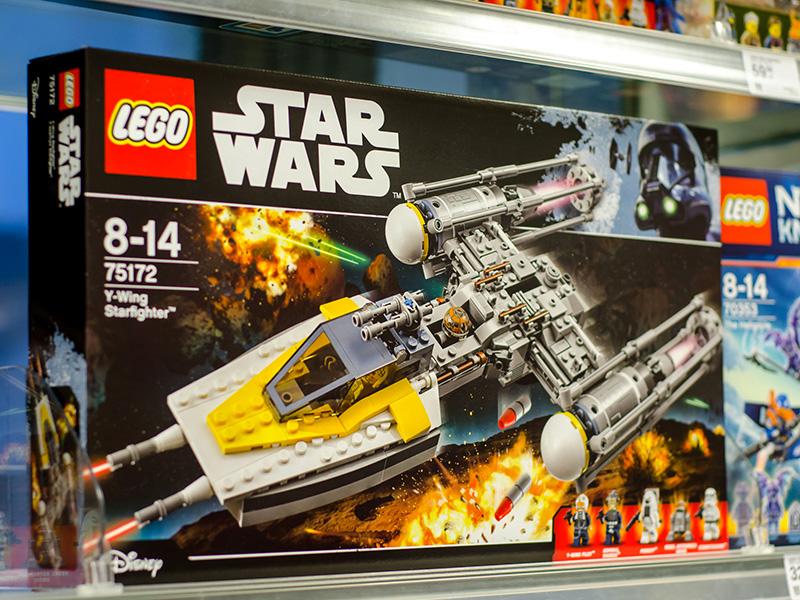 Boite de Lego Star Wars.