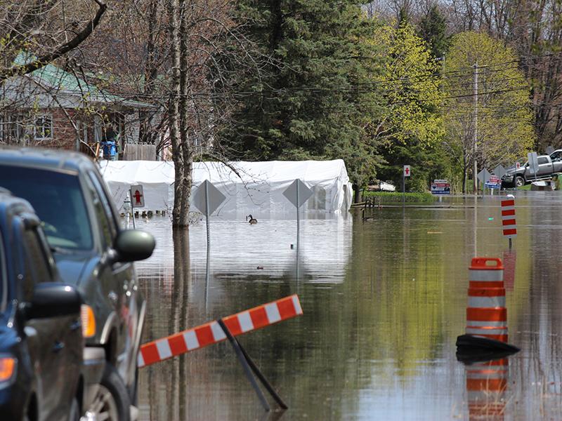 Inondation de la 48e rue à St-Joseph-du-lac, en 2017.