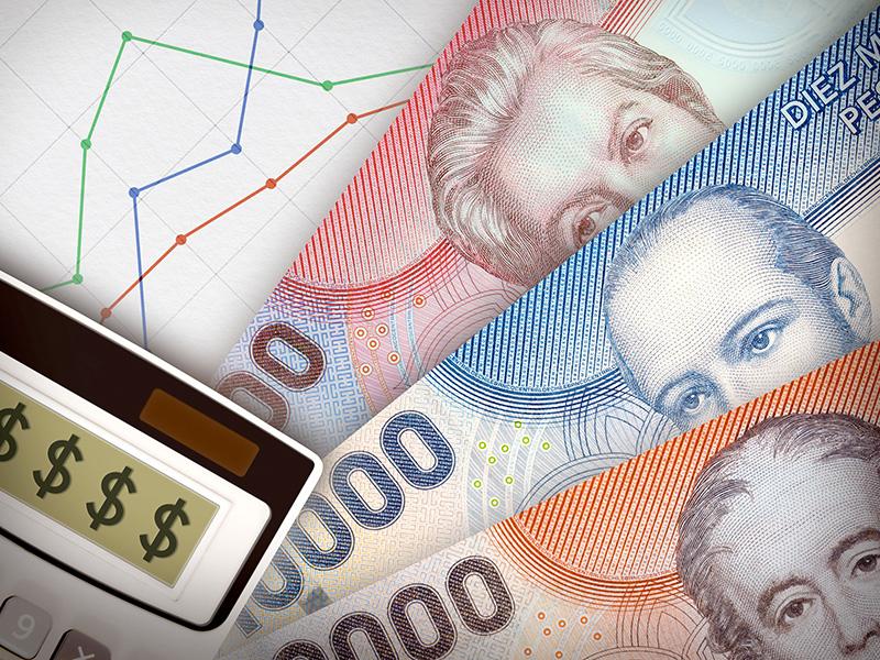Billets de banque et calculatrice.