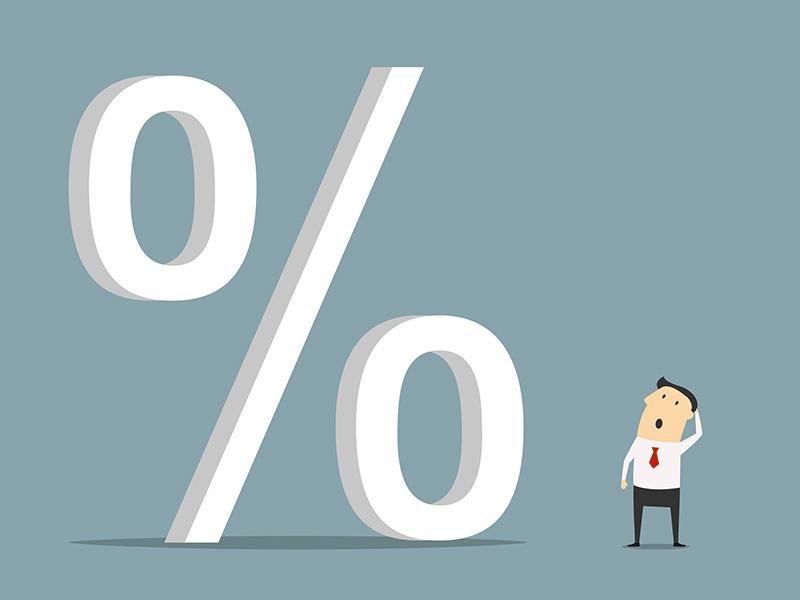 Illustration représentant un symbole de pourcentage et un conseiller semblant perplexe.